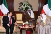 وزير الشؤون الخارجية يسلم أمير الكويت دعوة من رئيس الجمهورية للمشاركة في القمة العربية القادمة